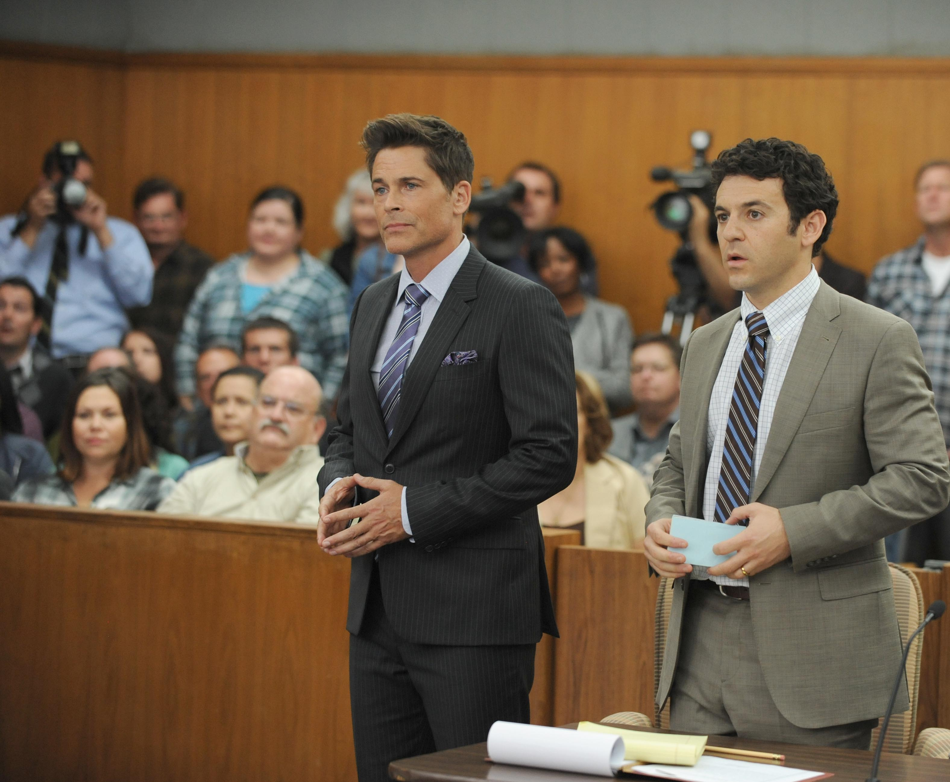 Rob Lowe (Dean) e Fred Savage (Stewart) in The Grinder