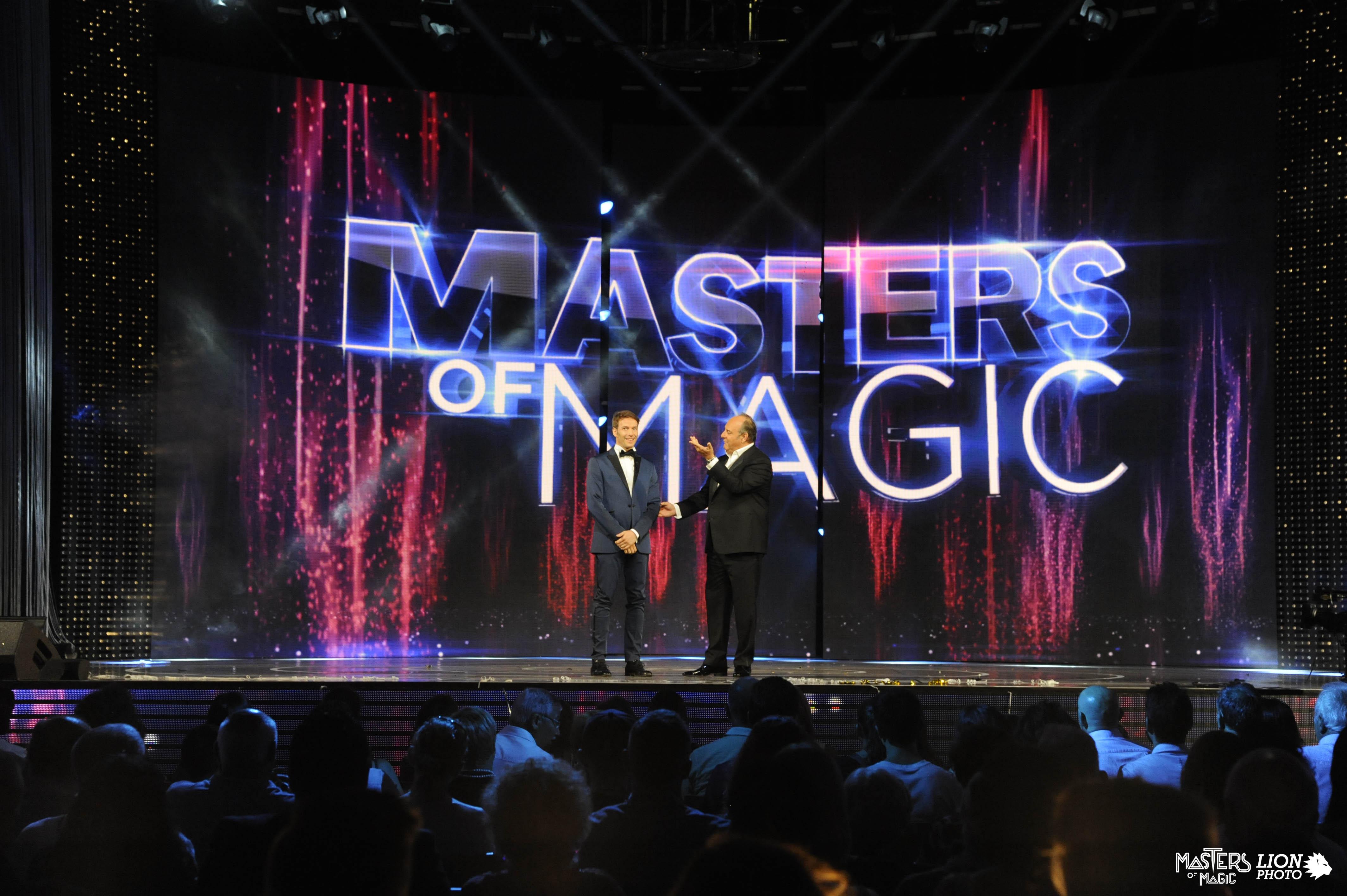 Masters of Magic 2016 su Canale 5: Gerry Scotti conduce la sfida per eleggere il campione del mondo di magia