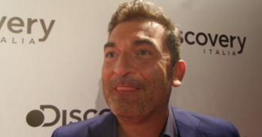 Boom! Max Giusti conduttore del nuovo programma – bomba targato Endemol, in onda su Canale 9 – Deejay TV