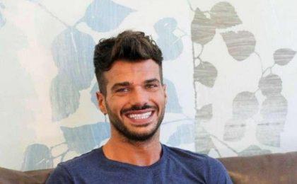 Trono Gay, Gianni Sperti si complimenta con Claudio Sona: 'Percorso ricco di contenuti'