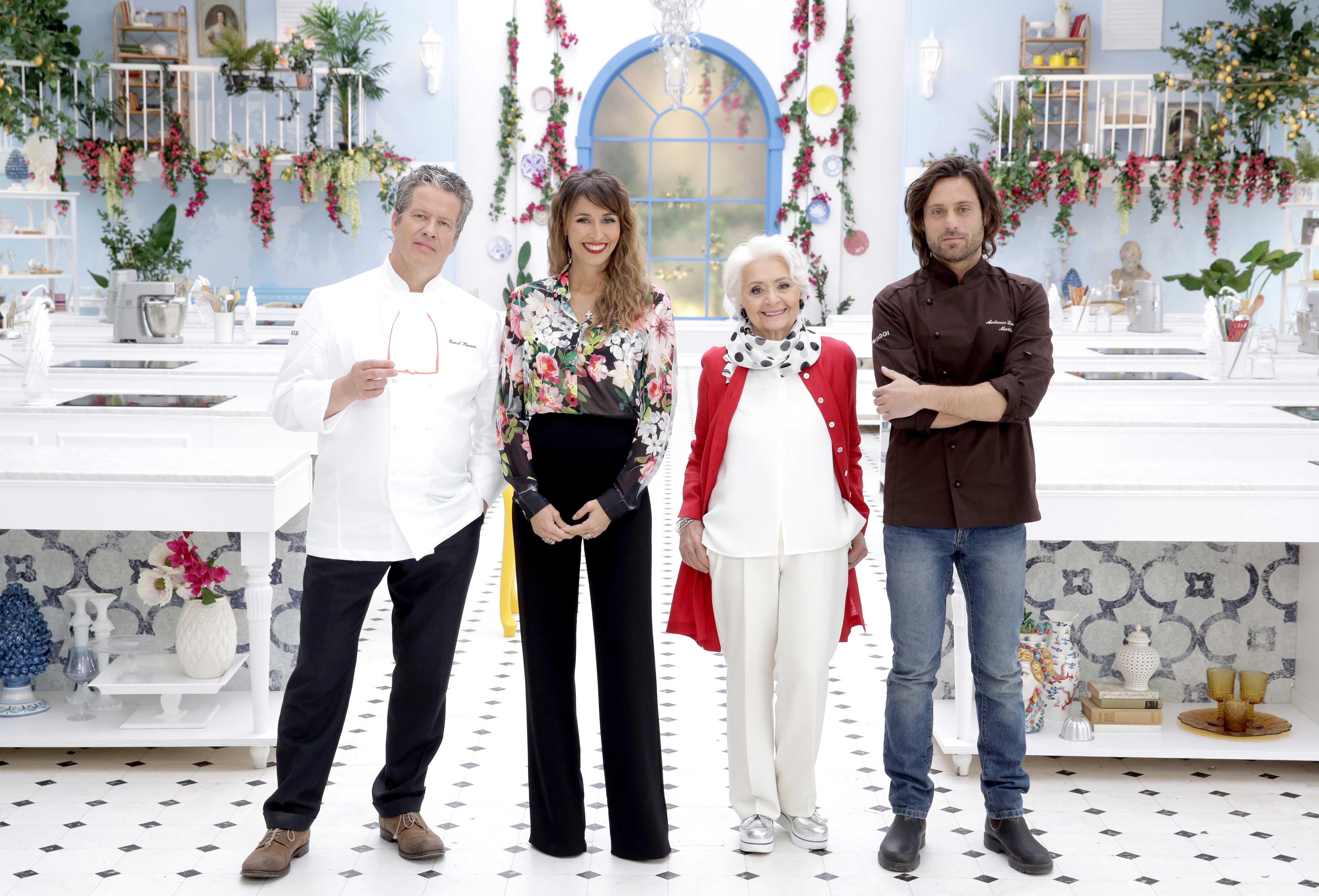 Bake Off Italia 4, puntate coi VIP e novità tra i giudici