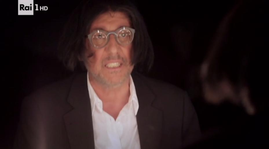 Arenà, Renato Zero si racconta su RAI 1 tra canzoni e ospiti