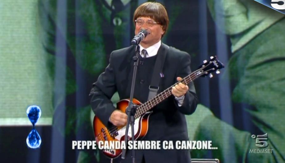35 Tu sì que vales, Luciano Baccari ispirato dai Beatles