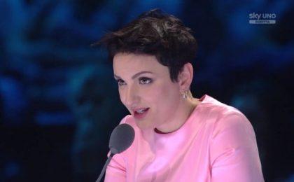 Rigopiano: Arisa canta al funerale delle vittime