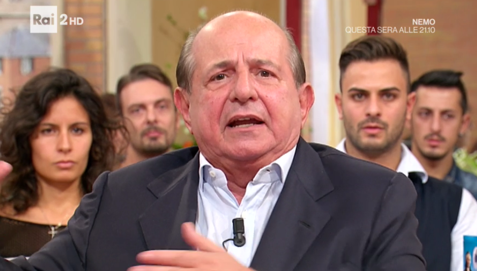 Giancarlo Magalli, scontro in diretta con un avvocato: 'Chiudiamo il collegamento'