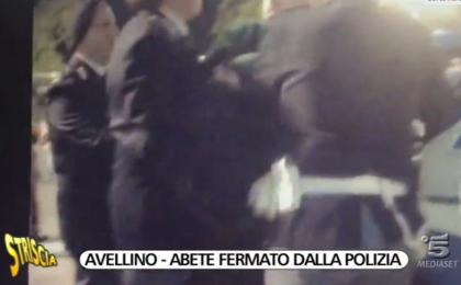 Striscia la notizia, Luca Abete fermato dalla polizia: l'inviato sta bene [VIDEO]