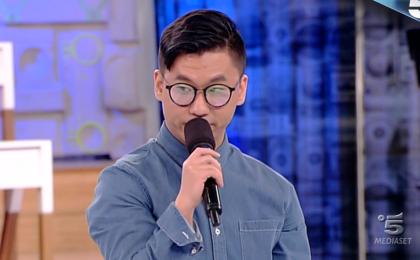 Amici 16, Marc Lee eliminato: il cantante lascia la Scuola dopo la sfida