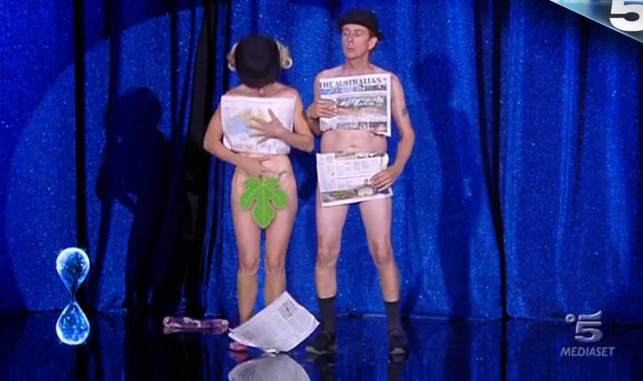 35 Tu sì que vales, Kiki e Pascal si esibiscono senza vestiti