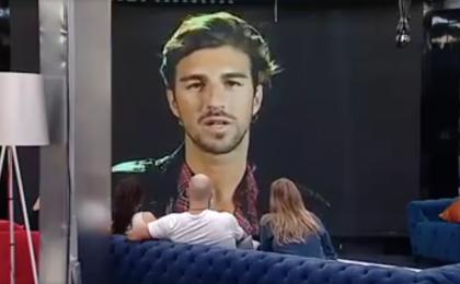 GF Vip, Andrea Damante torna con un video messaggio contro Bettarini: 'Non sei un uomo'