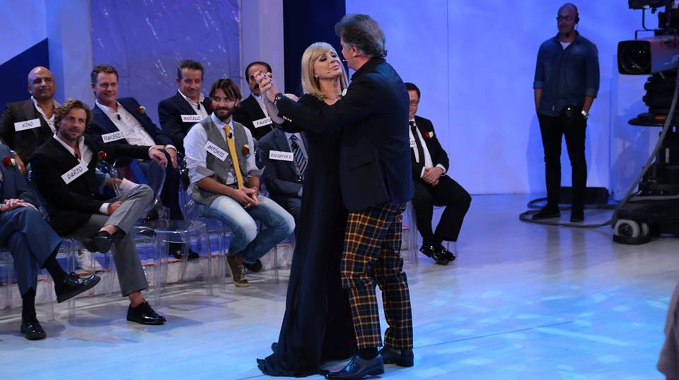 Uomini e Donne, la  puntata del 10 novembre 2016 in diretta live