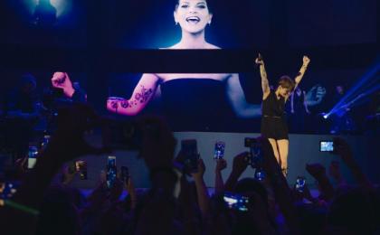 Alessandra Amoroso – Vivere a colori tour 2016, il concerto su Italia 1