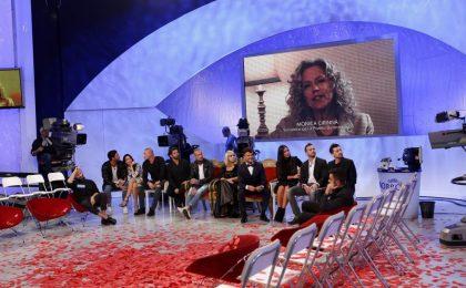 """Monica Cirinnà a Uomini e Donne: """"L'amore è tutto uguale"""""""