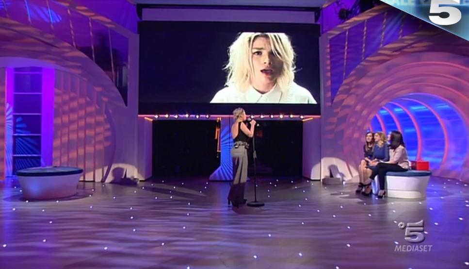 7 Emma canta 'Quando le canzoni finiranno'
