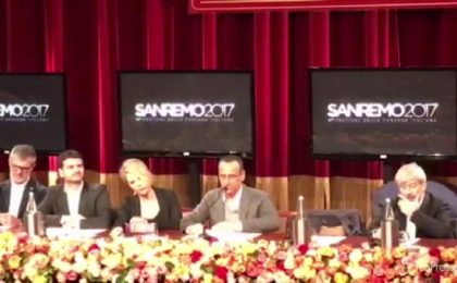 Carlo Conti annuncia il cast di Sanremo 2017