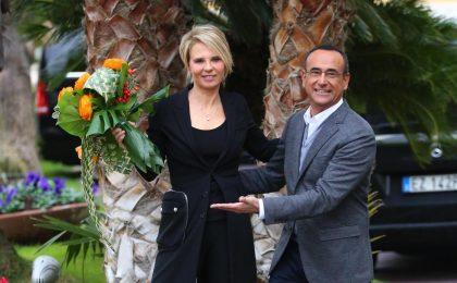 Sanremo 2017, i compensi: a Carlo Conti 650 mila euro, Maria De Filippi a costo zero