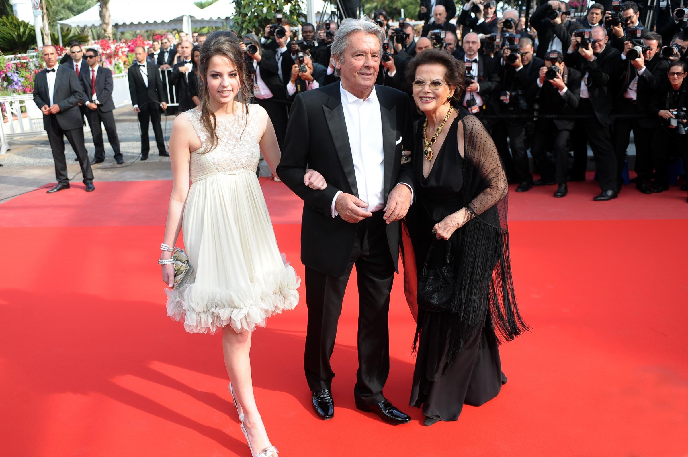 Sanremo 2017, ospite Anouchka Delon: chi è la figlia del celebre divo?