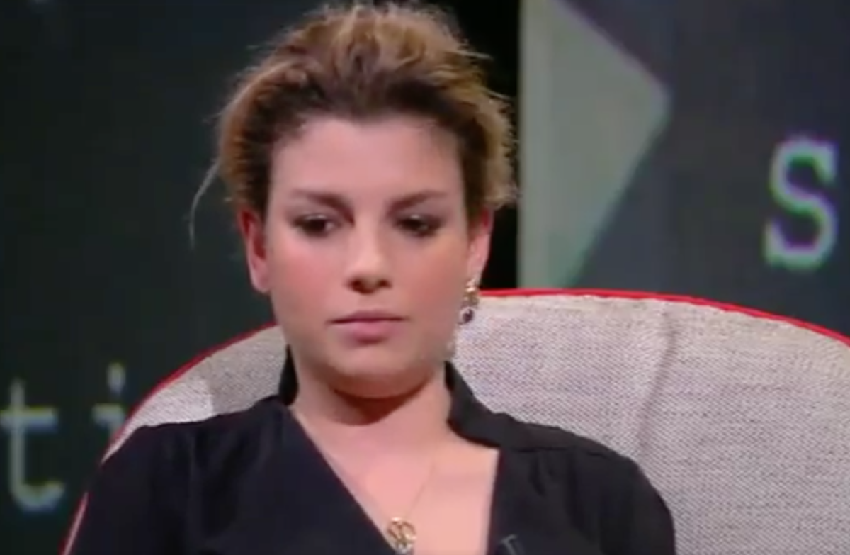 Emma a L'Intervista: 'su Stefano De Martino non rispondo. Il cancro? Ne ho ancora paura'