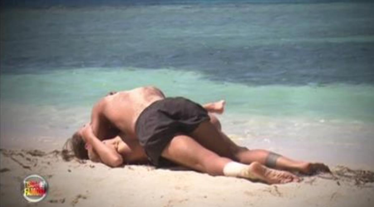 L'Isola dei Famosi 12: il primo bacio tra Moreno e Malena