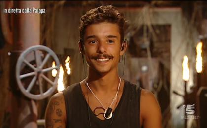 L'Isola dei Famosi 2017, Moreno denunciato: le accuse dell'aspirante cantante Angelica