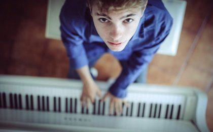 Festival di Sanremo 2017, ospite Emanuele Fasano: il pianista con una storia da 'favola'