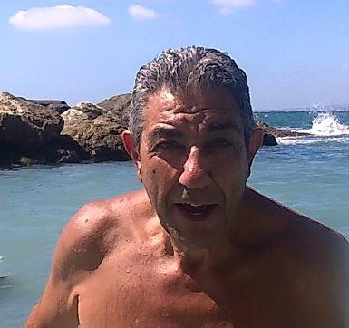 Incidente per Giuseppe De Rosa di 'Un posto al sole', l'attore in gravi condizioni