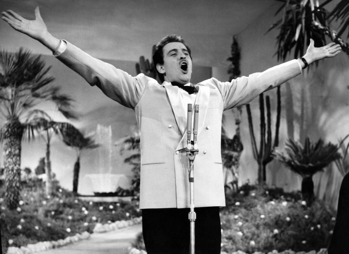 'Volare', la vera storia dietro la nascita della canzone di Franco Migliacci e Domenico Modugno