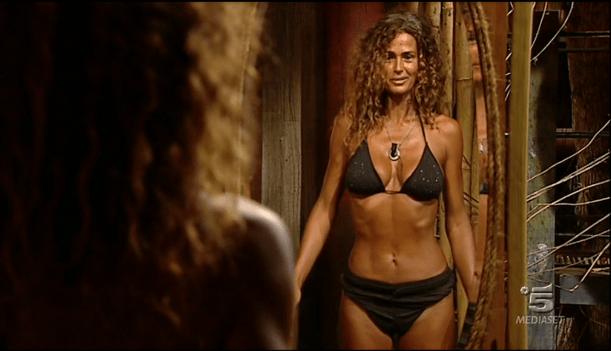 Isola dei famosi 12, Samantha de Grenet allo specchio