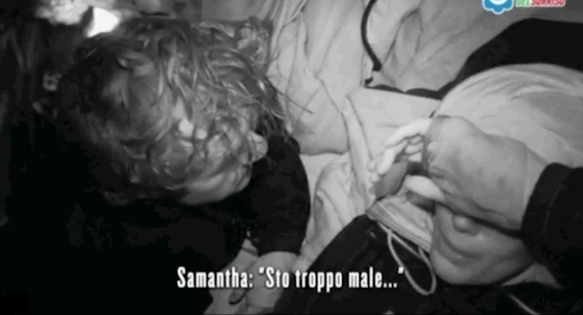 L'Isola dei Famosi 2017 news, malore per Samantha de Grenet: in infermeria per una colica renale