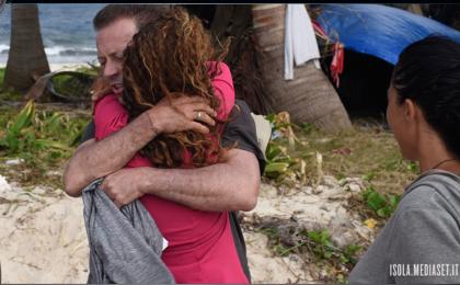 L'Isola dei Famosi 2017, Rocco Siffredi contro Samantha De Grenet: 'Sei una manipolatrice'