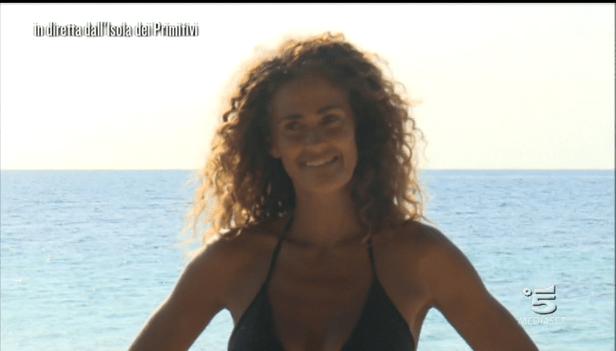 Samantha de Grenet sull'Isola dei primitivi