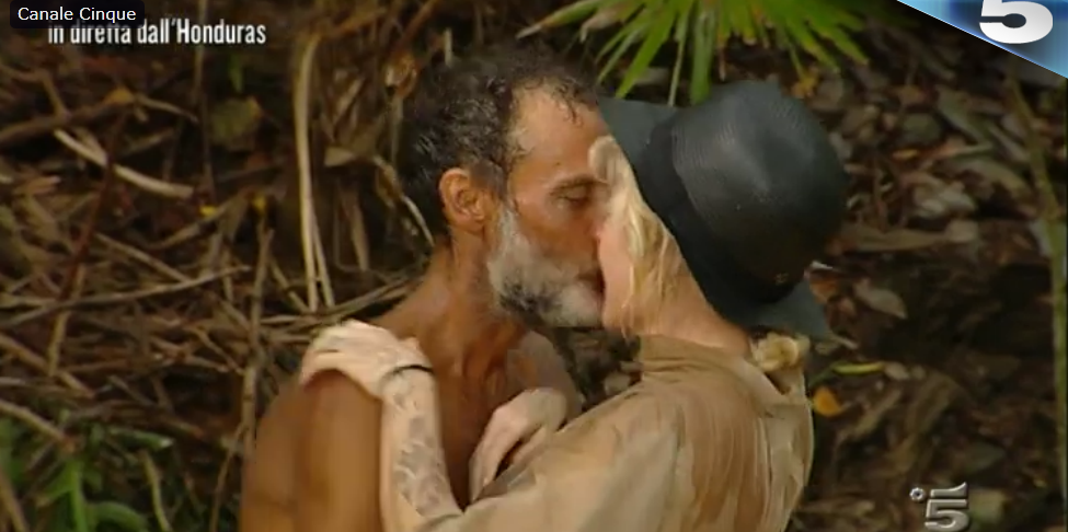 bacio Raz Degan Paola Barale