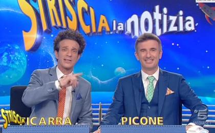 Striscia la notizia contro L'Isola dei Famosi, Ficarra lancia la puntata: 'Non perdetela, è una replica'