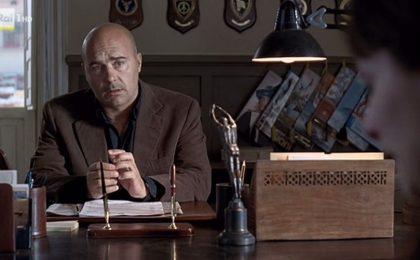 Il Commissario Montalbano, replica dell'episodio 'L'età del dubbio' su Rai 1 il 24 aprile