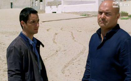 Il Commissario Montalbano, replica dell'episodio 'La luna di carta' su Rai1 il 17 aprile