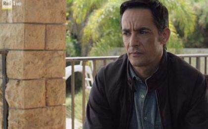Il Commissario Montalbano, replica dell'episodio 'La pista di sabbia' su Rai1 il 10 aprile