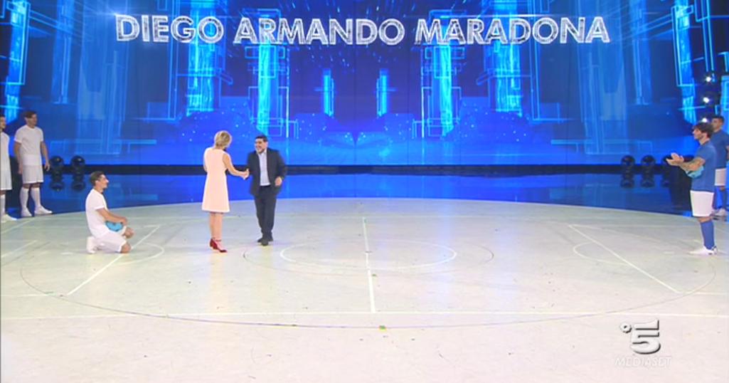 Amici 2017 Serale, Diego Armando Maradona e Maria De Filippi