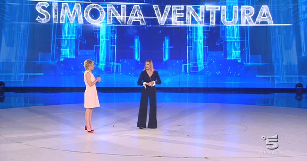 Amici 2017, Simona Ventura al Serale
