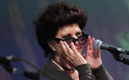 Claudia Mori contro la Rai per lo stop alla fiction Una vita in gioco: 'Non posso più tacere, mi stanno umiliando'