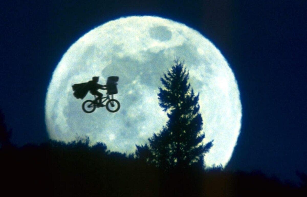 CINEMA: E.T., I 30 ANNI DELL'EXTRATERRESTRE PIU' AMATO