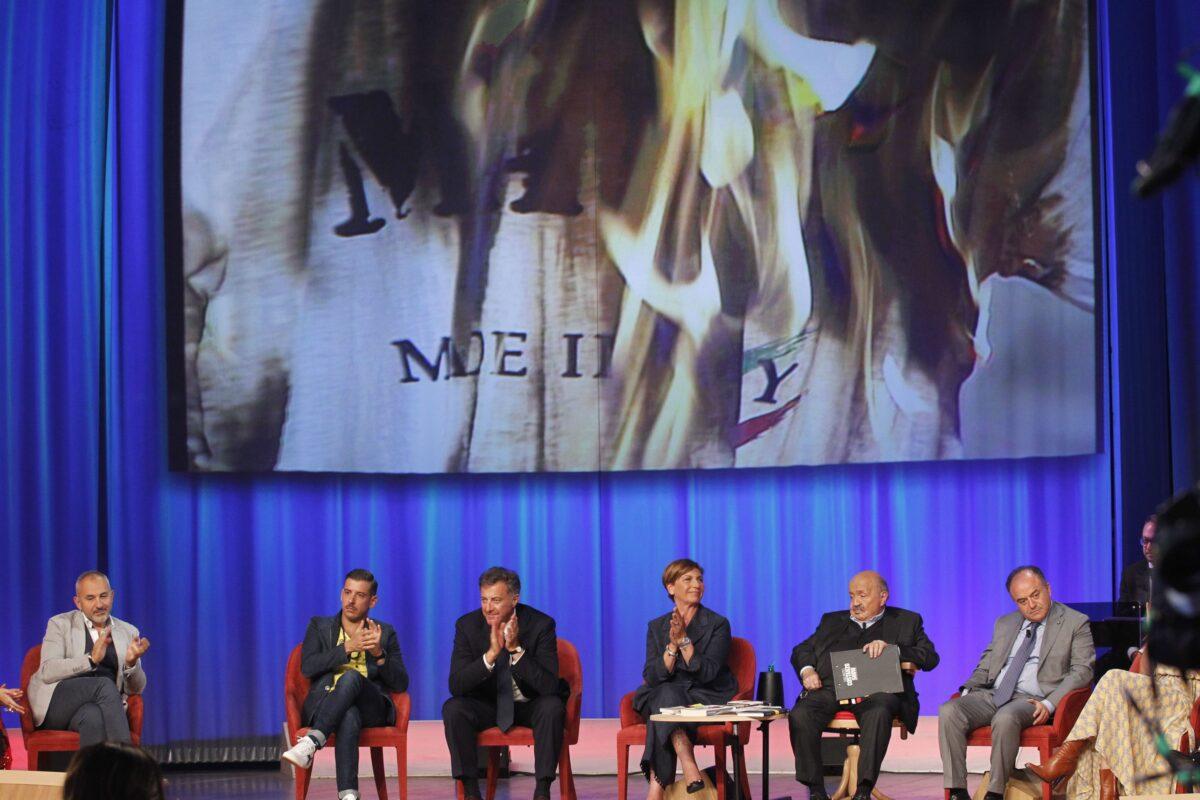 Maurizio Costanzo Show 25 maggio 2017