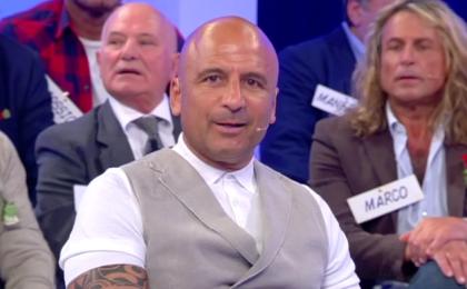 Uomini e Donne – trono over, Nino Castanotto e Gianni Sperti: rissa sfiorata