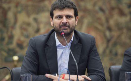 Affari tuoi e il caso Insinna: la solidarietà di Rai 1 e del direttore Andrea Fabiano