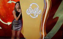 Selfie-Le cose cambiano 2017, Stefano De Martino e Belén Rodriguez: le frecciatine della prima puntata