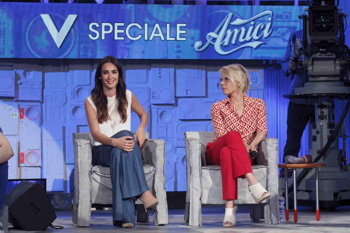 Verissimo Speciale Amici, puntata 13 Maggio 2017 su Canale 5 con Maria De Filippi