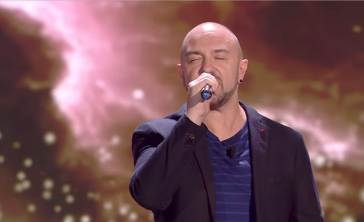 Alessandro Canino a The Winner Is, il cantante di 'Brutta' batte le Lollipop e vince la puntata