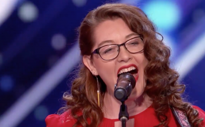 America's Got Talent 2017, Mandy Harvey: la cantante sorda conquista il Golden Buzzer