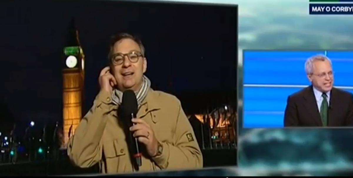 Speciale TG LA7, Rissa in diretta durante la maratona Mentana: 'Scusate, ma qua si stanno picchiando'