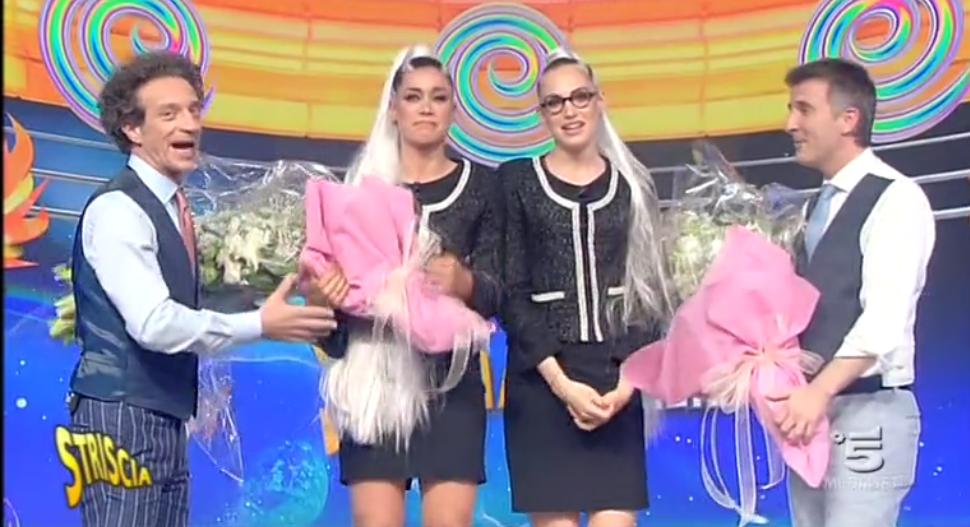 Striscia La Notizia, le veline lasciano il programma: l'addio di Irene Cioni e Ludovica Frasca