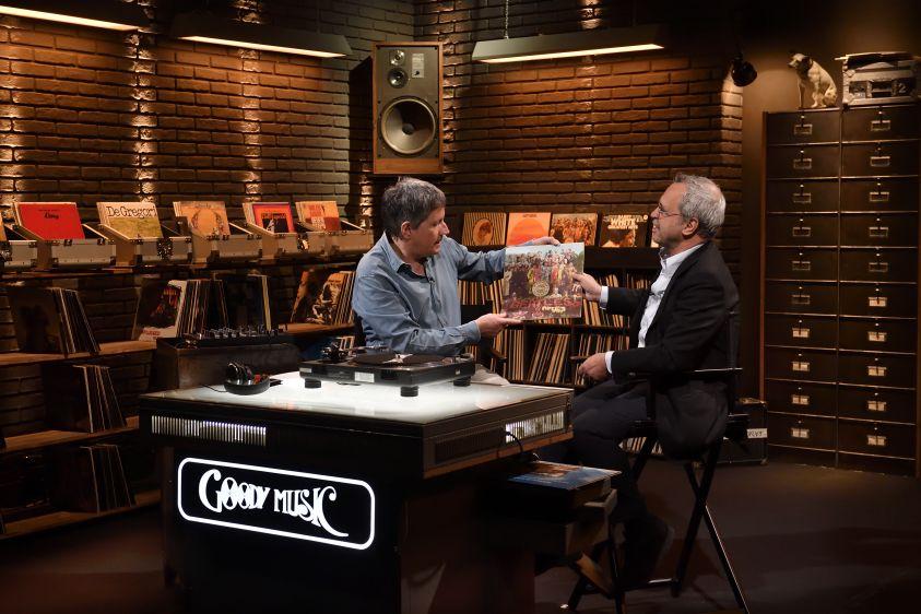 I miei vinili su Sky Uno, Riccardo Rossi a Televisionando: 'Musica e ricordi con sei amici, da Fiorello a Mentana', intervista