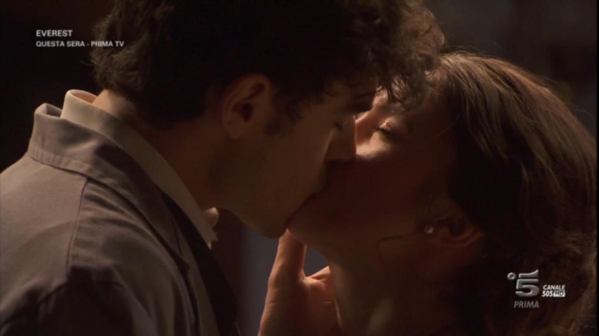 Il Segreto, riassunto puntata del 23 luglio 2017: Matias e Beatriz, è di nuovo amore